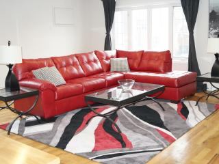 Spacious Living! Perfect For Group!! - Brooklyn vacation rentals