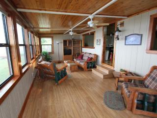 Luxury Lake Front Cabin - Kingfish - Yankeetown vacation rentals