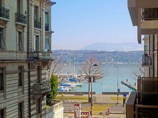 3 Rue du Léman ~ RA8725 - Versoix vacation rentals