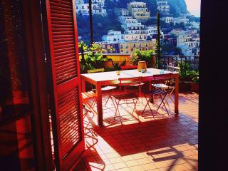 Positano HOUSE CENTRAL Huge Terrace - free WIFI - Positano vacation rentals
