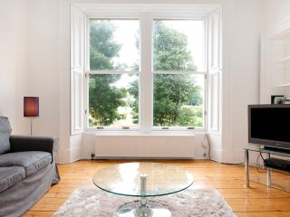 Anam Cara 3 bedroom, sunny, great views in centre - Edinburgh vacation rentals