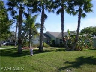 Upscale Villa Retreat Vacations - salt water pool - Cape Coral vacation rentals