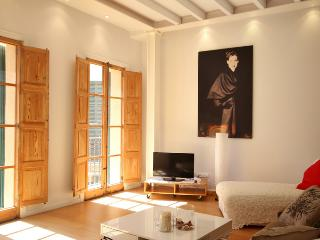 Palma Old Town Stylish Loft - Palma de Mallorca vacation rentals