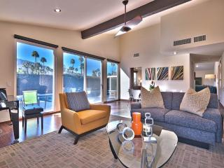 4 bedroom House with Deck in Palm Springs - Palm Springs vacation rentals