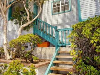 3BD/3BA beautifully remodeled courtside condo just steps to the Bay and Ocean - Pacific Beach vacation rentals