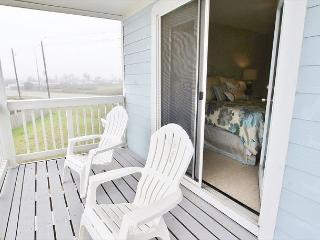 Go'n Coastal with fresh air and lots of beach! Great views! A vacation MUST! - Galveston vacation rentals