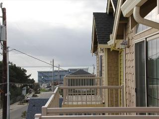 Immaculate Lincoln City Townhome with Ocean Views, Close to Beach & Shops - Lincoln City vacation rentals
