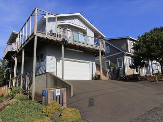 Beautiful Ocean Views & Immaculate Interior at Suite Retreat! - Lincoln City vacation rentals