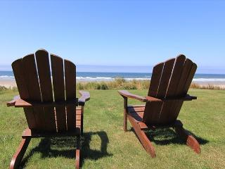 Beautiful Oceanfront Hm w/ Panoramic Ocean Views, Hot Tub & Easy Beach Access - Lincoln City vacation rentals