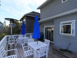 Charming Bella Beach Home, Close to Beach Access, Fabulous Amenities! - Depoe Bay vacation rentals