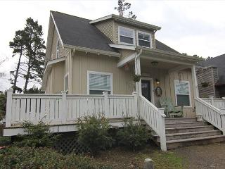Beautiful Bella Beach Home w/ Great Amenities in a Family Friendly Setting! - Lincoln City vacation rentals