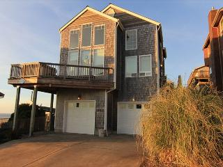 Beautiful Ocean View, 4 Bedroom Home with Hot Tub Located in Roads End! - Lincoln City vacation rentals