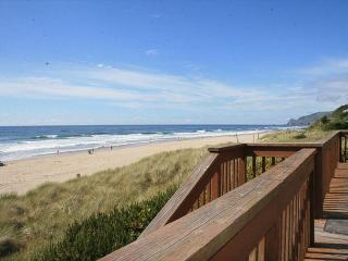 Paradise Cove Ocean Front, Direct Beach Access, Great for Families w/Children - Lincoln City vacation rentals