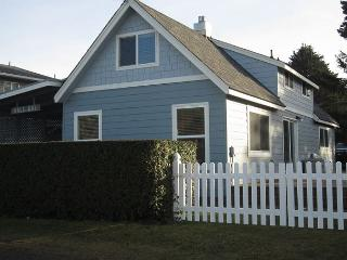 By the Sea- Steps Away From Roads End State Park, Close to Town, Charming Hm - Lincoln City vacation rentals