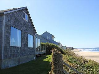 Spectacular Ocean Front Home in Roads End - Lincoln City vacation rentals