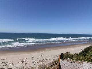 Oceanfront townhome with stunning ocean view and private access! - Lincoln City vacation rentals