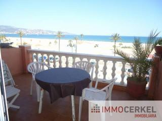 Bright 2 bedroom Empuriabrava Apartment with Balcony - Empuriabrava vacation rentals