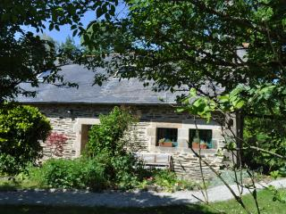 Idyllic Riverside Cottage in Brittany, France - Saint-Thois vacation rentals