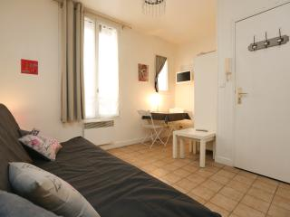 Quiet studio 2 guests, heart of Montmartre - P18 - Paris vacation rentals