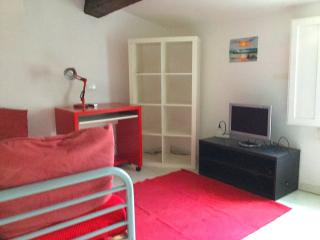Attic room in the heart of Urbino - Mombaroccio vacation rentals