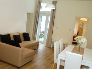 D-Collection@Kensington 2 (2 bedrooms +sofa bed) - London vacation rentals