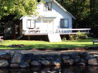 Lake side summer cottage - New Hampshire vacation rentals