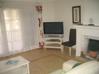 GARDEN, ROOF TERRACE, AIR CON - 20AB SCOTTISH RD - Vilamoura vacation rentals
