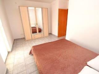 Lana 6 apartment for 5 people - Island Pag vacation rentals