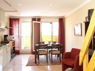 Madrid Plaza de España Penthouse (free WIFI) B - Madrid vacation rentals