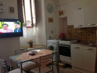 Bright San Basilio Mottola House rental with A/C - San Basilio Mottola vacation rentals