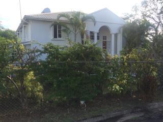 Villa, 4 bedrooms, 3 bathrooms, 1 minute to beach - Saint James vacation rentals