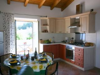 Beautiful 1 bedroom Cottage in Fermo with Internet Access - Fermo vacation rentals