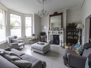 Bright 3 bedroom Vacation Rental in Broadstairs - Broadstairs vacation rentals