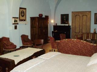 Charming Farmhouse Barn in Gioia del Colle with A/C, sleeps 3 - Gioia del Colle vacation rentals