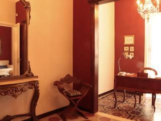 Casa Martinez:historiccentre,terrace,wifi,elegant - Syracuse vacation rentals
