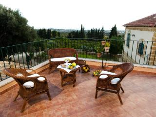 Gorgeous Bed and Breakfast in Agrigento with Internet Access, sleeps 2 - Agrigento vacation rentals