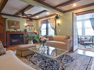 4 bedroom Victorian Condo - Boston vacation rentals
