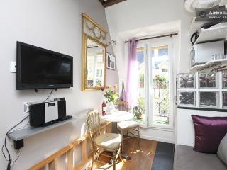 Romantic mini Loft Quartier Latin - Paris vacation rentals