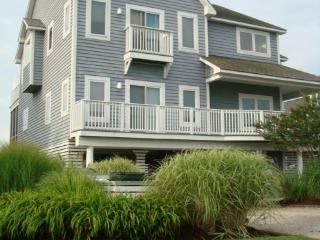 BAYFRONT LUXURY-steps to beach; pool/gym/sport ct - Bethany Beach vacation rentals