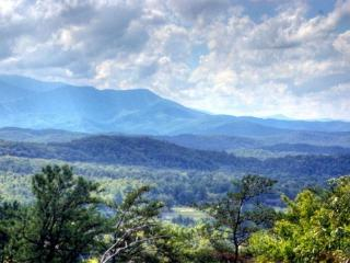 A Window To Paradise Cabin- 3 KG Suites, Mtn View - Gatlinburg vacation rentals