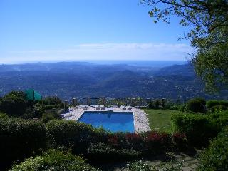 Charming 4 bedroom Apartment in Speracedes with Internet Access - Speracedes vacation rentals