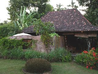 Bungalow 2 Yabbiekayu Homestay - Java vacation rentals