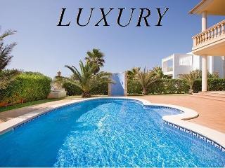 LUXURY VILLA.STUNNING VIEWS, EXCLUSIVE EQUIPMENTS - Cala d'Or vacation rentals