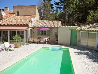 Le Moulin, 1 Bedroom Vacation Rental in Bandol with a Pool - Lachau vacation rentals