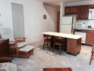 Nice 2 bedroom Birch Bay Apartment with Shared Outdoor Pool - Birch Bay vacation rentals