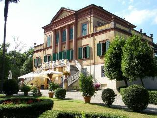 wonderful apartment in villa/Lucca - Lucca vacation rentals