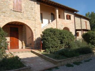 Agriturismo Il Pino Mini suite 'Fiordalisi' - Deruta vacation rentals
