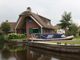 Luxe Bungalow type Breeuw op Waterpark Belterwiede - Wanneperveen vacation rentals