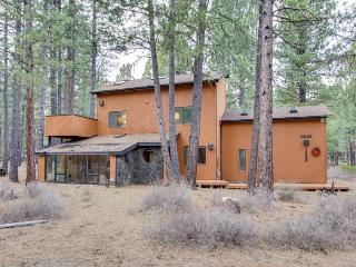 Rustic cabin with a private patio and shared pools, hot tubs & resort amenities! - Black Butte Ranch vacation rentals