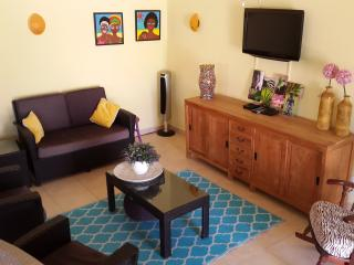 CASA DORA Aruba, colorful  2-bedr apt, close2beach - Paradera vacation rentals